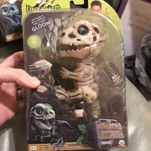 FINGERLINGS UNTAMED BONEHEAD RAPTOR FIGURE. NEW!